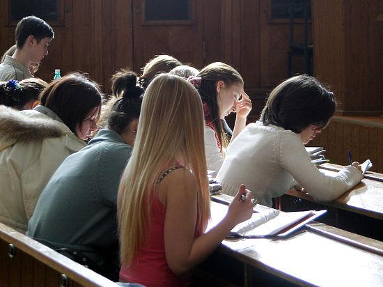 Для студентов-иностранцев, изучающих русский язык, сделают миграционные послабления