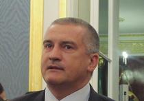 Глава Крыма Сергей Аксенов заявил журналистам, что раздумывает над принятием своих решений только во время авиаперелетов: во время других занятий у него нет на это времени