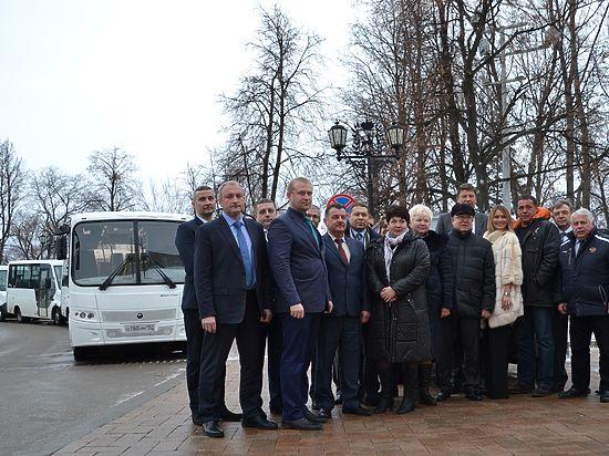 Спортивные учреждения Нижегородской области получили новые автобусы