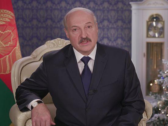 Президент Белоруссии заявил о дружелюбии, но призвал держать порох сухим