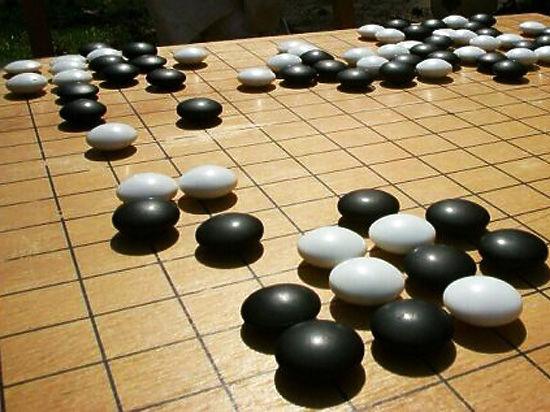 Искусственный интеллект AlphaGo тайно проник в интернет и стал легендой
