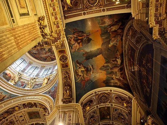 В Исаакии пакуют маятник Фуко: передача собора РПЦ взбудоражила Петербург