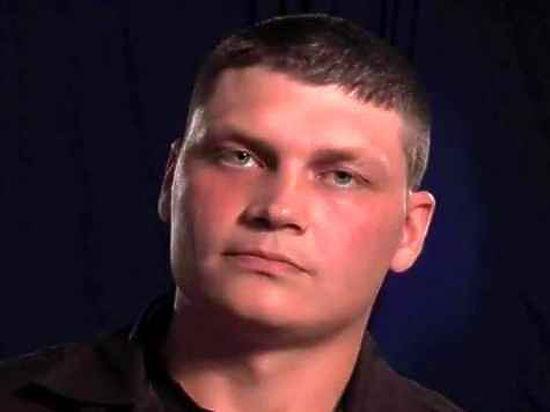 Лейтенанта Сергея Аракчеева, осужденного за убийство чеченцев, освободили по УДО