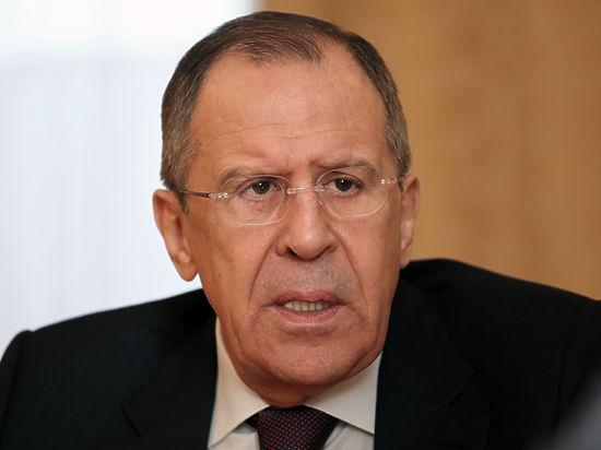 Сотрудникам МИД также подбрасывали взятки, которые потом шли в российскую казну