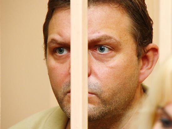 По словам экс-губернатора, конечность стала «отказывать», а назначенное тюремными медиками лечение не приносит результата