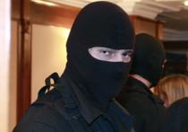 Мещанский суд столицы в пятницу продлил на три месяца арест шести уроженцам Средней Азии, обвиняемым в террористической деятельности