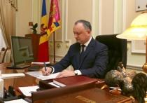 Экс-президент Румынии подал в суд на «пророссийского» главу Молдавии