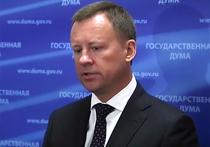 «Продажная шкура», «наш человек»: Пономарев и Навальный поспорили о Вороненкове