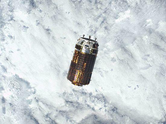 Японцы сбросят на Землю космический мусор