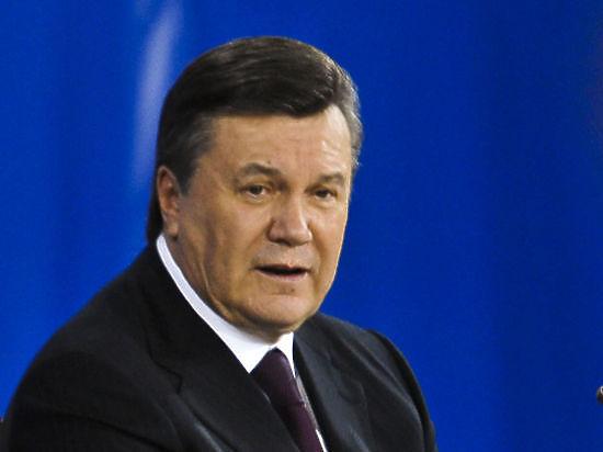 Парламентарий утверждает, что Янукович пригласил на Украину российских военных