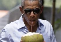 Экс-президента США Барака Обаму и его супругу Мишель сфотографировали во время отдыха на одном из Британских Виргинских островов, принадлежащих владельцу Virgin Group Ричарду Брэнсону