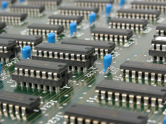 Физики вознамерились создать квантовый компьютер размером с футбольное поле