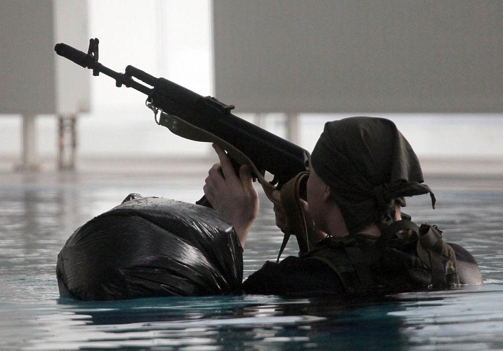 Спецназовцы Росгвардии показали свои уникальные навыки и оружие