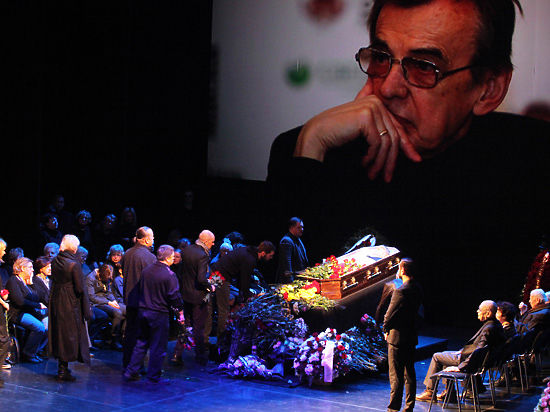 В театре Моссовета простились с Георгием Тараторкиным: