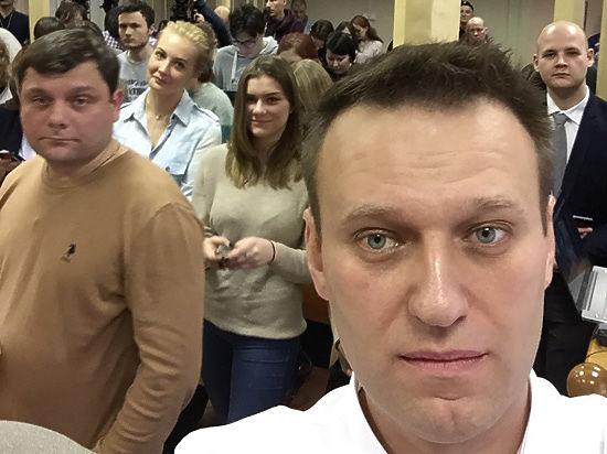 После приговора Навальный попал в