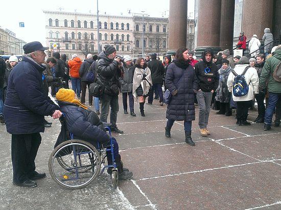 В Петербурге прошла очередная многотысячная акция против передачи Исаакия РПЦ