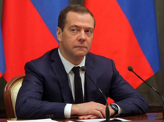 Медведев 8 марта подпишет эпохальную «женскую Стратегию»
