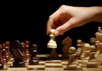 Шестикратная чемпионка мира среди юниоров по шахматам, иранка Дорса Дерахшани, вылетела из национальной сборной за то, что отказалась надеват хиджаб на один из матчей турнира в Гибралтаре