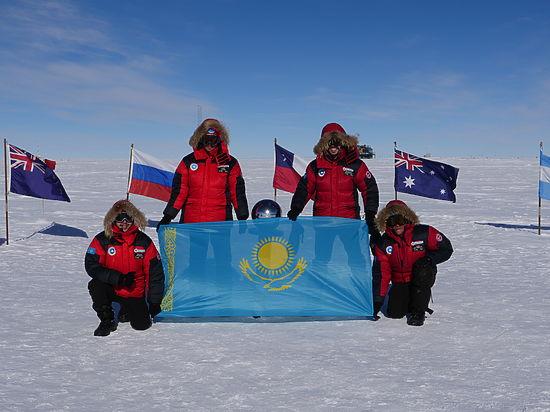 Казахстанцы покорили высочайшую точку Антарктиды — пик Винсон