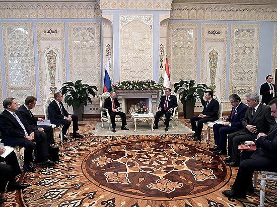 Путин в Таджикистане рассказал об амнистии гастарбайтерам