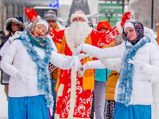 Главного зимнего волшебника обвинили в том, что на гуляньях распространялась религиозная литература