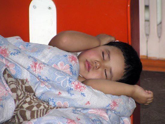 В Кыргызстане принимают меры по борьбе с врожденными пороками у детей