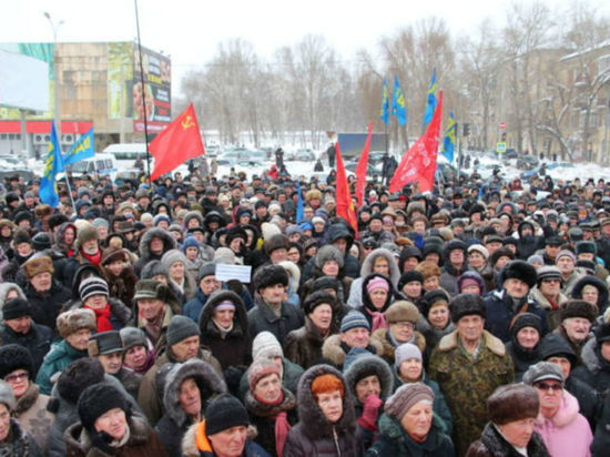 Митинги с требованием отставки Меркушкина пошатнули устойчивость региона