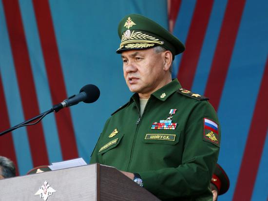 Настоящие мужики - рядом: Шойгу поздравил женщин-военнослужащих с 8 марта