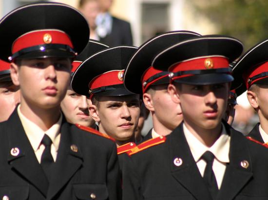 Секс в суворовском училище в оренбурге видео