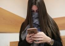 Сегодня на заседании мирового суда прокурор попросил приговорить Мару Багдасарян к 320 часам обязательных работ из-за того, что она использовала фальшивый больничный лист