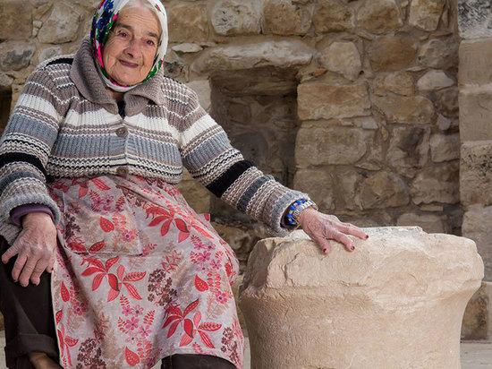 Во время реставрации синагоги в Пкиине обнаружена древняя надпись на иврите