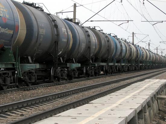СМИ узнали о новом сокращении поставок российских нефтепродуктов в Белоруссию