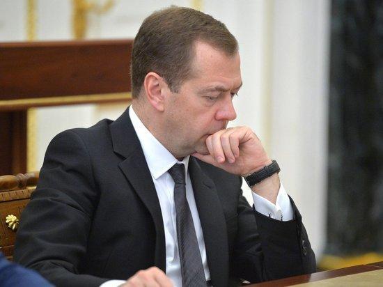 Медведев впал в растерянность из-за скандала с выборами в РАН