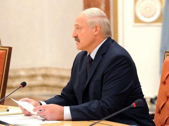 Лукашенко пообещал не разрывать военное сотрудничество с Москвой