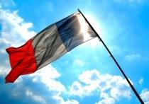 Кандидат в президенты Франции, экс-министр экономики страны Эммануэль Макрон заявил, что стране не стоит искать пути сближения с РФ, а обратиться к европейским партнерам и США