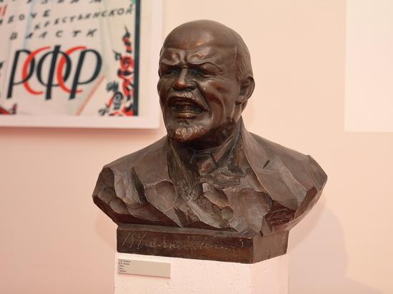 Революцию в Музее современной истории России показывают со стонущим Лениным