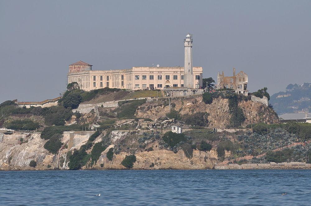 Тюрьма Алькатрас, пристанище гангстеров и убийц: что показывают туристам