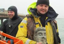 Российские археологи нашли не просто голову, а глиняное изваяние древнегреческого бога Гермеса или героя мифов Геракла! Уникальный артефакт они откопали на стройке Керченского моста