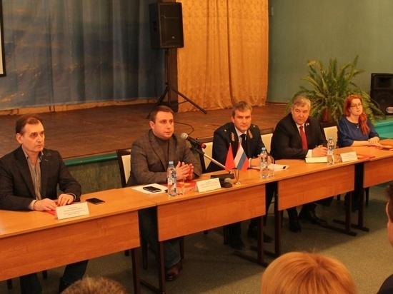 Глава города ответил на вопросы жителей Ивановских Двориков
