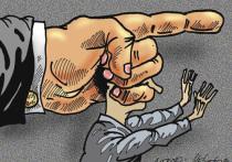 Очередной идеологический скандал взорвал на днях сетевое сообщество: в одной из школ Брянска старшеклассник, позволивший себе высказать оппозиционные взгляды, получил гневную отповедь педагога и администрации, обратившейся за помощью в силовые структуры, реакция которых была незамедлительной