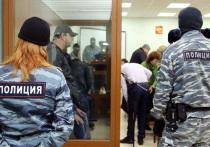 Со скандала началось заседание в четверг в Московском окружном военном суде, где рассматривается дело об убийстве Бориса Немцова