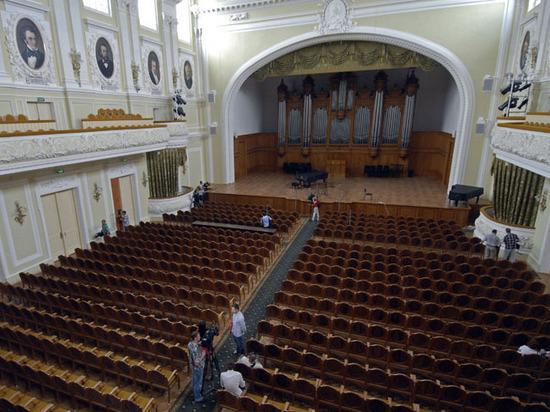 В список «врагов» и «предателей» консерватории попала Лия Ахеджакова