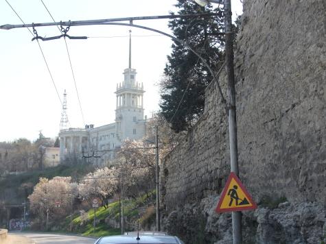 Севастополь рухнула подпорная стена дом