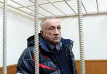 Бывший глава Удмуртии Александр Соловьев, обвиняемый в получении взяток в 140 миллионов рублей, вечером во вторник предстал перед судом