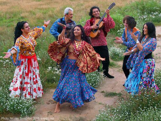 8 апреля отмечают Международный день цыган