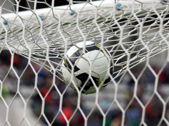 Сборная России вернулась на рекордно низкую строчку рейтинга ФИФА