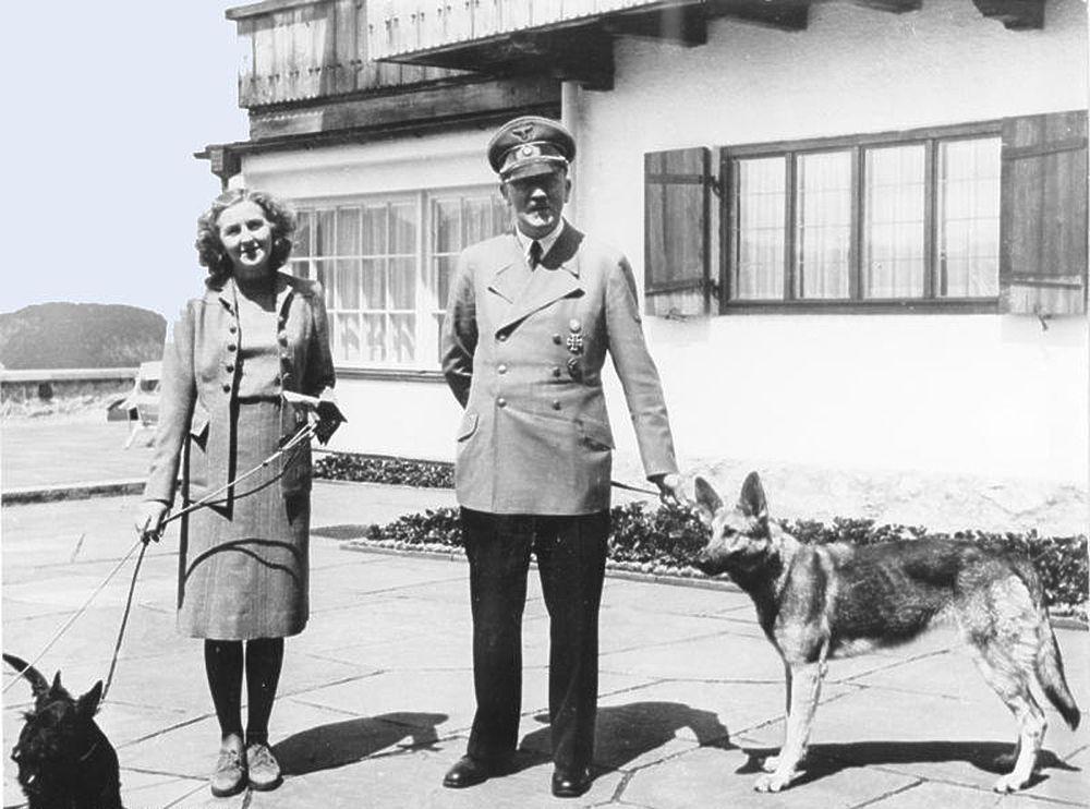 Гитлер и Ева Браун в фотографиях: праздник на костях