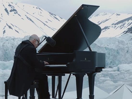 Любовное признание: что общего у пианиста Людовико Эйнауди с Пастернаком