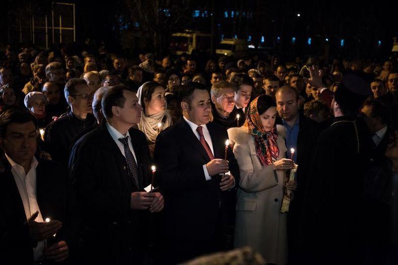 Губернатор на Пасхальном богослужении: подборка лучших фото за пять лет
