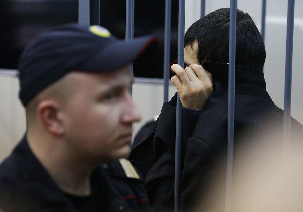 Предполагаемый организатор питерского теракта арестован: в суде скрывал лицо пиджаком